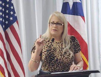 Gobernadora responde a cuestionamientos jurídicos sobre Orden Ejecutiva de Toque de Queda y Cierre