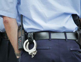FBI anuncia arresto de tres hombres por Ley de Armas