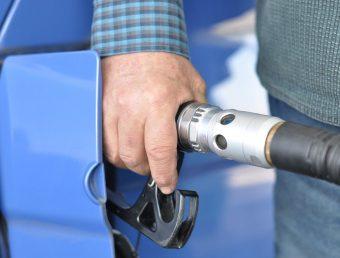 Detallistas de Gasolina pide se le permita vender sus productos los domingos(documento)