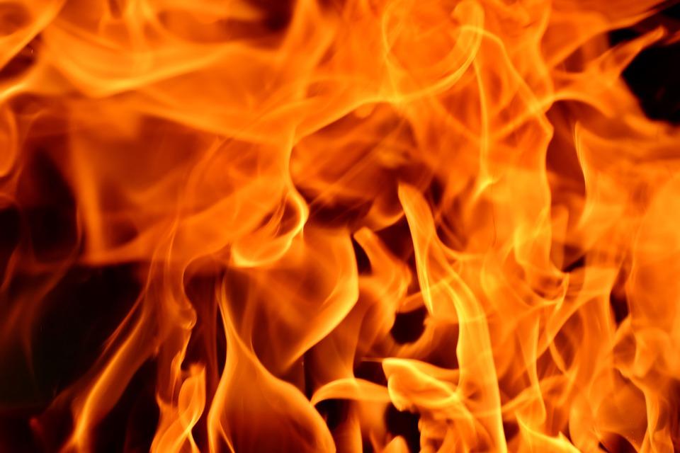 Velas provocaron el incendio donde murió un septuagenario en San Juan