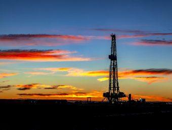Incierto precio de la gasolina en bombas ante caída precio del petróleo
