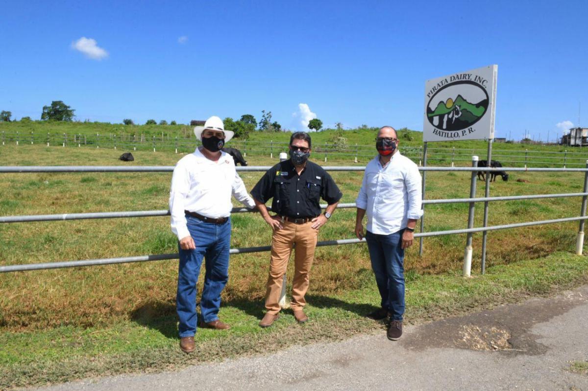 Agricultura y DDEC inauguran Proyecto Agrosolar en Hatillo