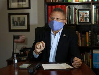Representante José Aponte presenta medida para prohibir la difamación en internet