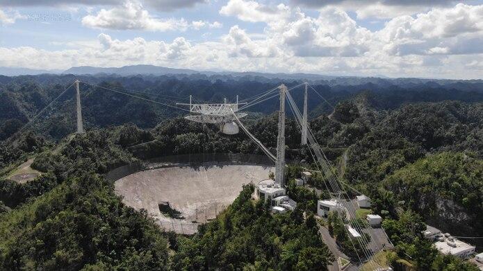 NSF comienza a planificar el desmantelamiento del telescopio de 305 metros del Observatorio de Arecibo debido a problemas de seguridad