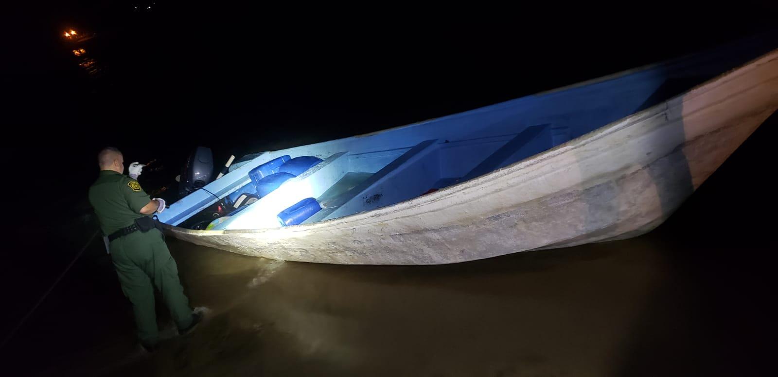 Intervienen con embarcación con 21 personas en Aguada