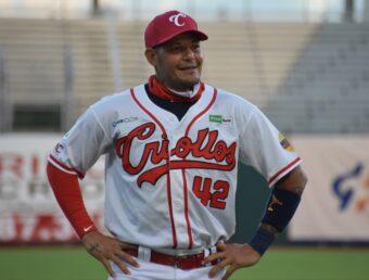 Criollos con Yadier Molina detienen el empuje de los Indios