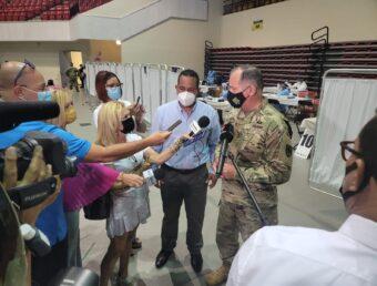 Abren centro de vacunación en Humacao junto a la Guardia Nacional (Sonido)
