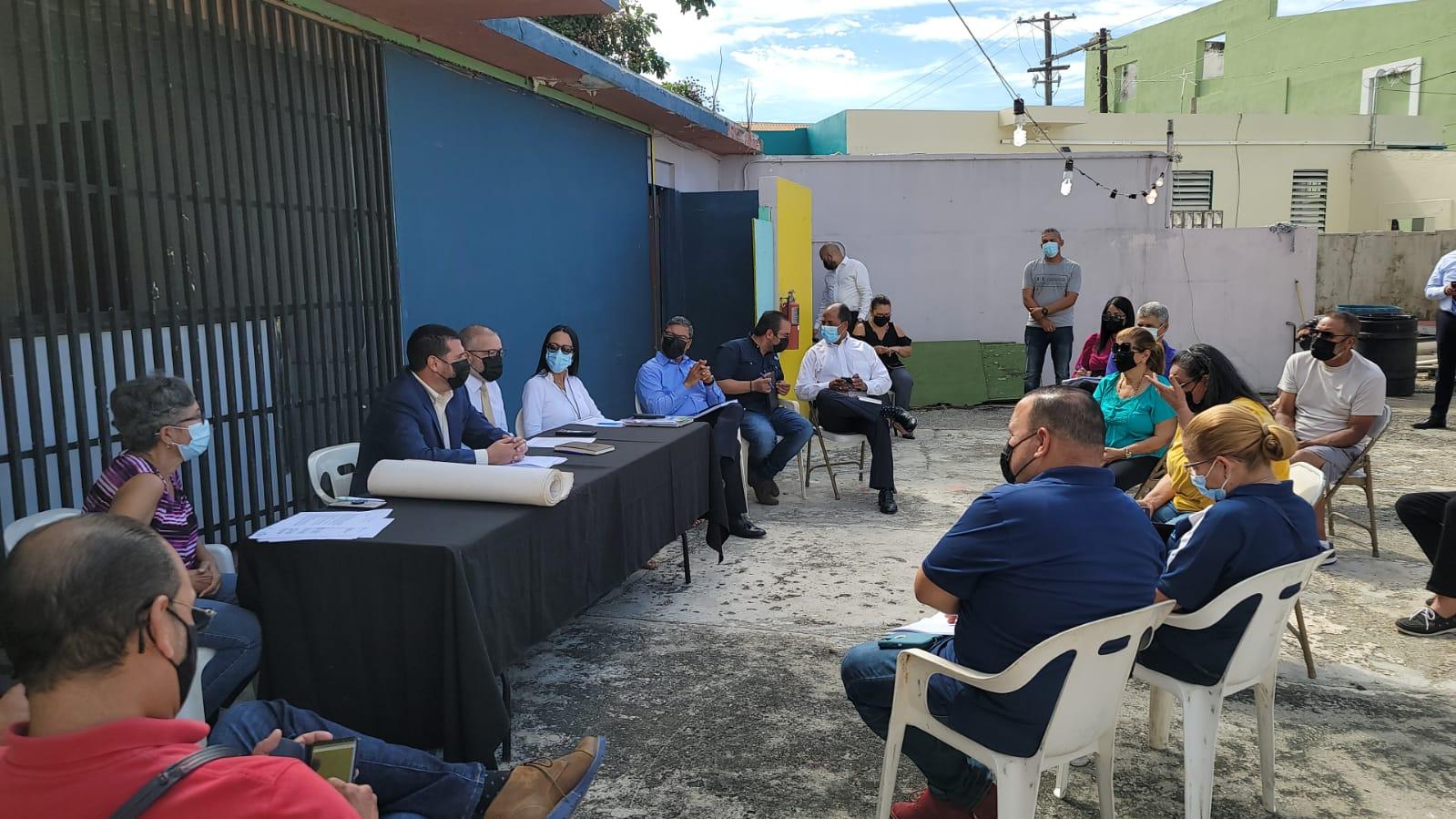 Buscan resolver problemas de infraestructuray títulos de propiedad en el sector la Playa de Ponce