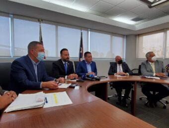 Alcaldes federados y asociados junto al CRIM rechazan recortes a los municipios por parte de la JCF (Revisada, Sonido)