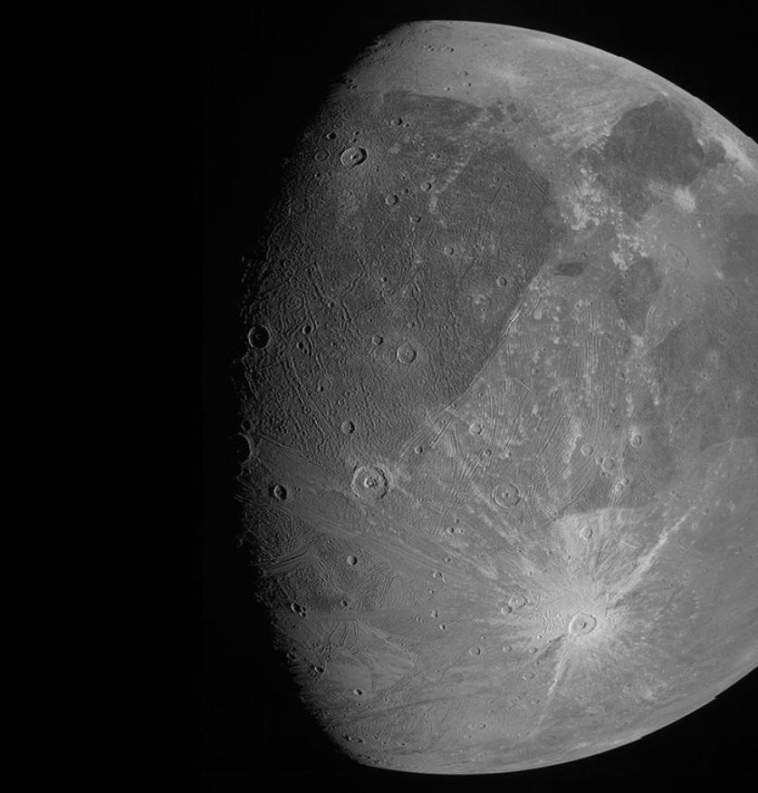 Revelan nuevas imágenes de Ganímedes, la luna más grande de Júpiter y de todo el Sistema Solar