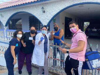 Municipio de Ceiba vacuna casa por casa contra el Covid-19