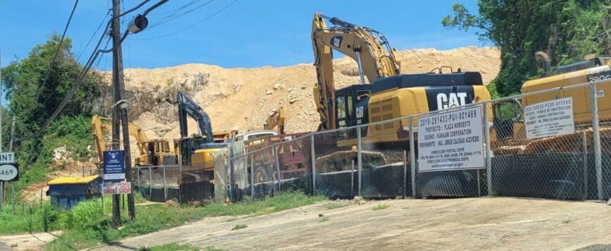 Exigen detener construcción de centro comercial en Aguadilla ante impacto ambiental en la zona cársica