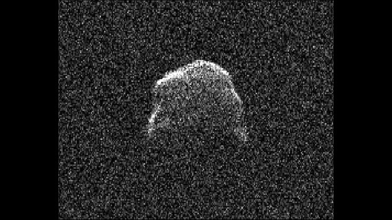Captan asteroide pasando cerca de la Tierra