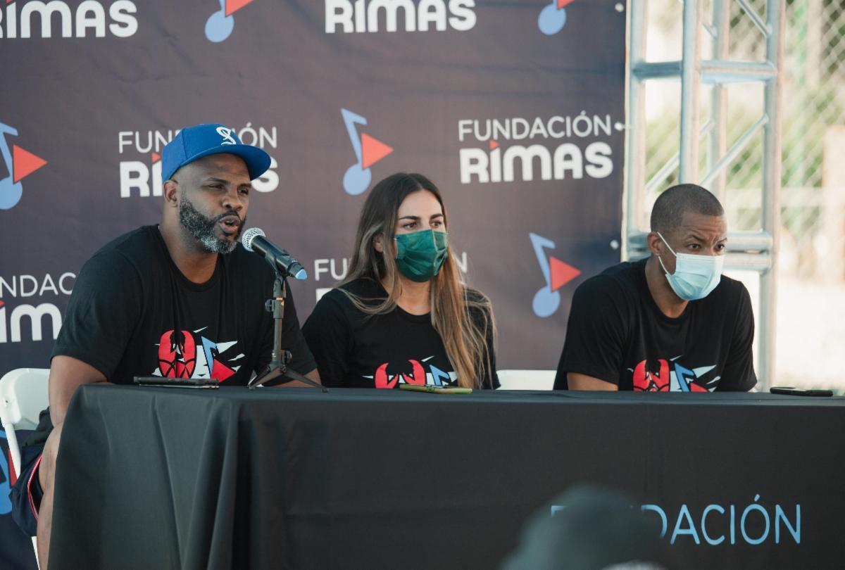 Fundación Rimas y los Cangrejeros de Santurce ofrecen clínicas de baloncesto a niños y jóvenes en San Juan