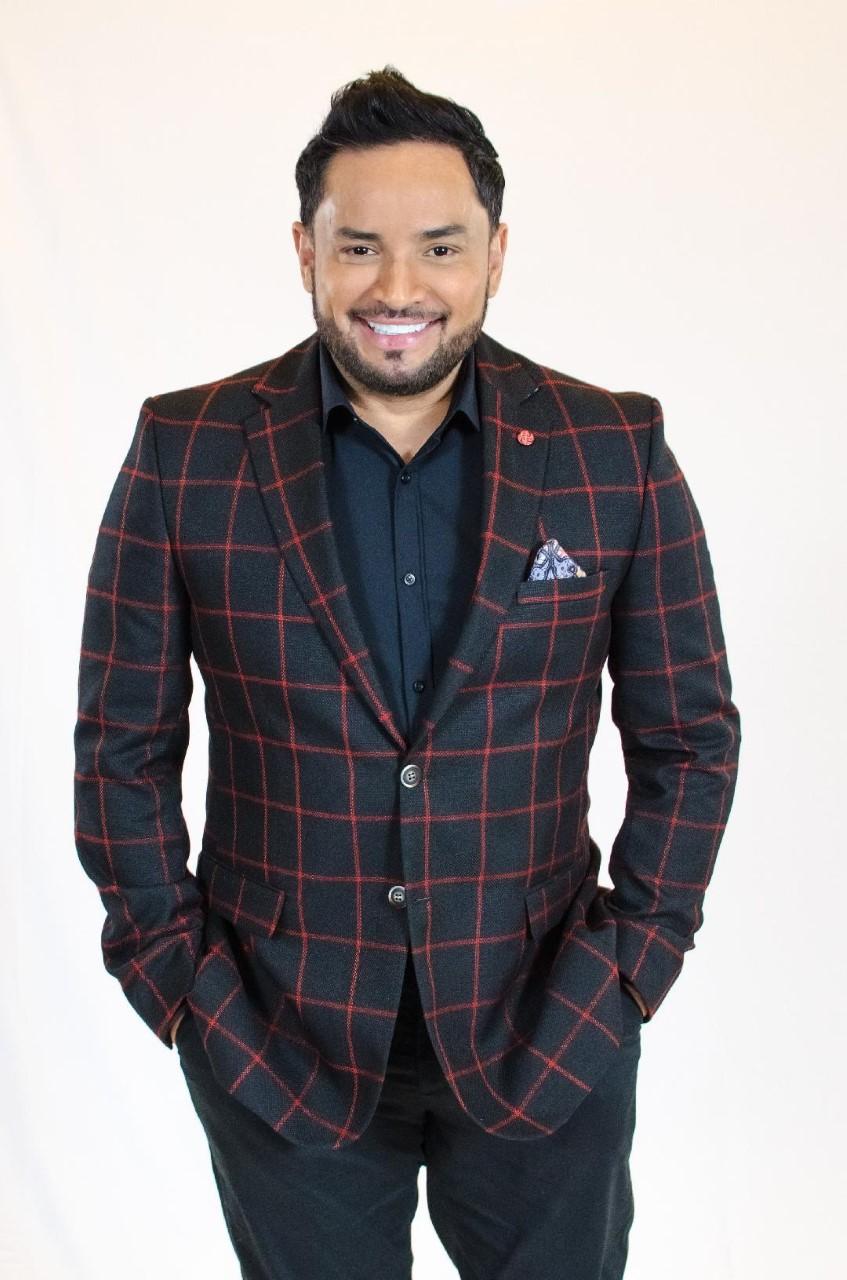 Manny Manuel regresa a los escenarios