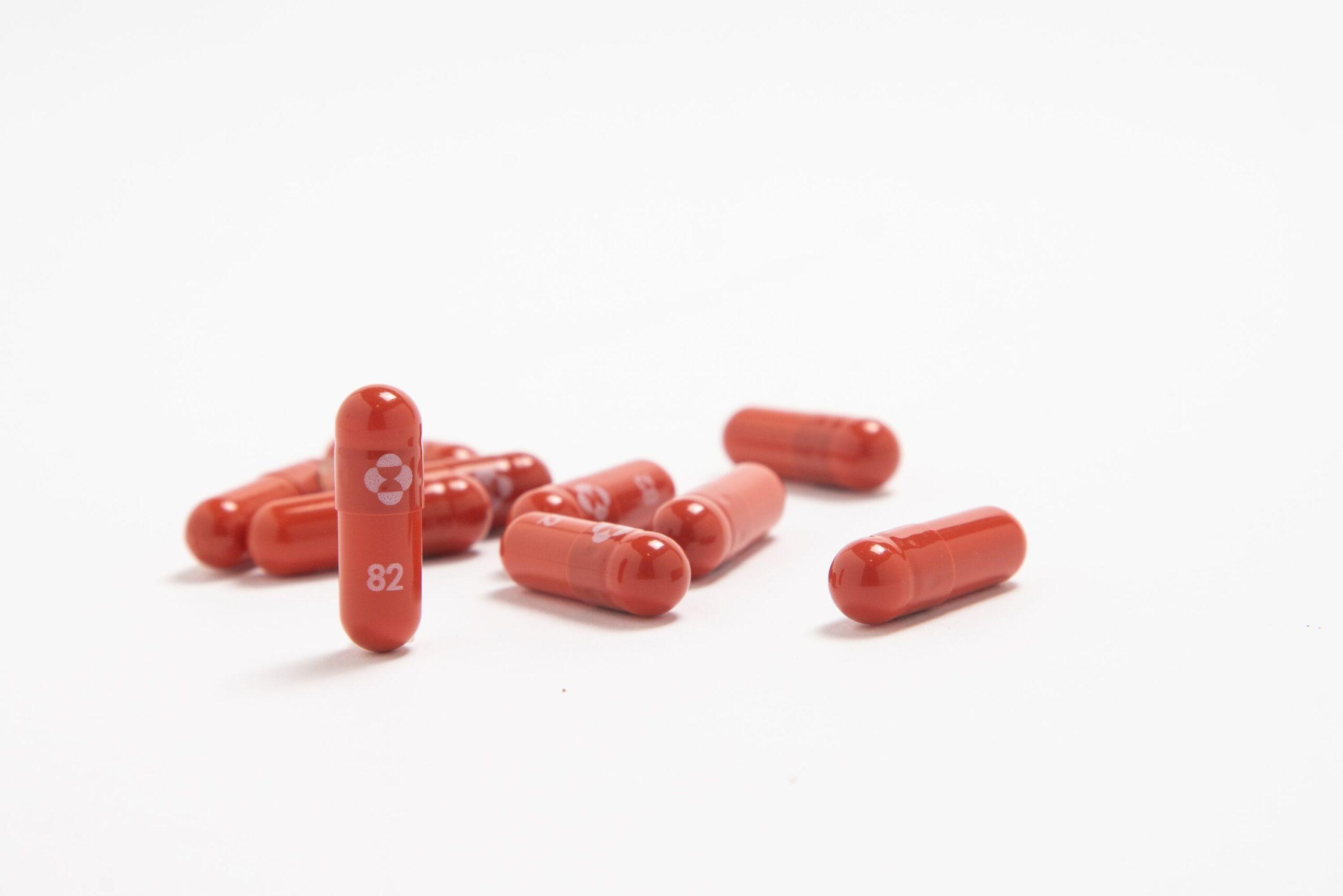 Farmaceutica Merck busca autorización para medicamento oral contra el COVID
