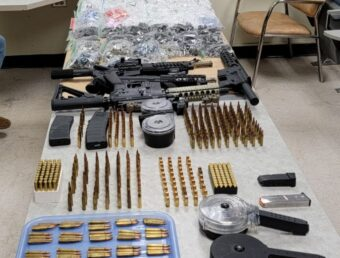 Ocupan gran cantidad de droga y armas largas en una residencia en Vega Baja